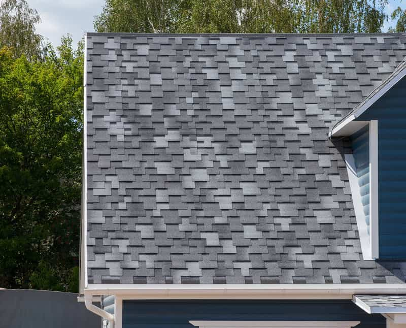 picking the perfect shingle color for your new roof