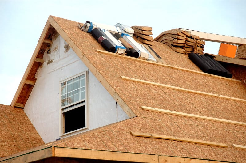 5 reasons youre experiencing roofing project delays